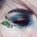"""Mi piace"": 449, commenti: 7 - Ewelina Niemiec (@emalovii) su Instagram: ""This look is inspired by amazing @arisayamaoka98  @katvondbeauty saint and sinner palette:…"""