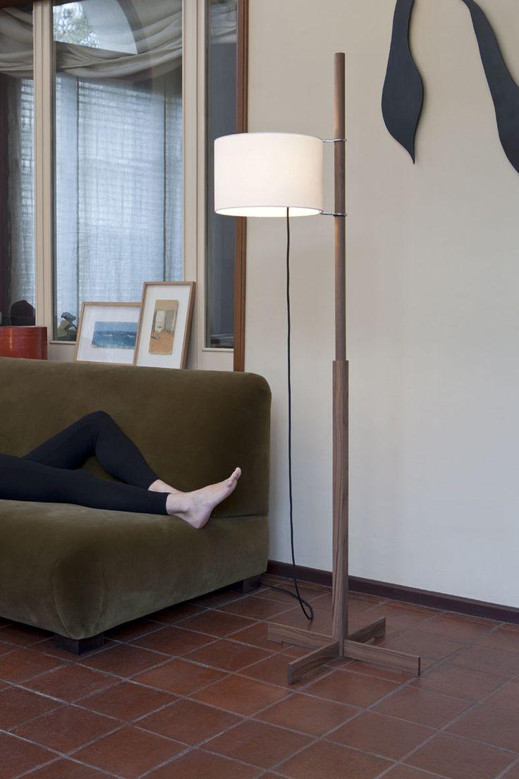 Lámpara de pie / moderna / de interior / de madera maciza - TMM by Miguel Milá - SANTA&COLE