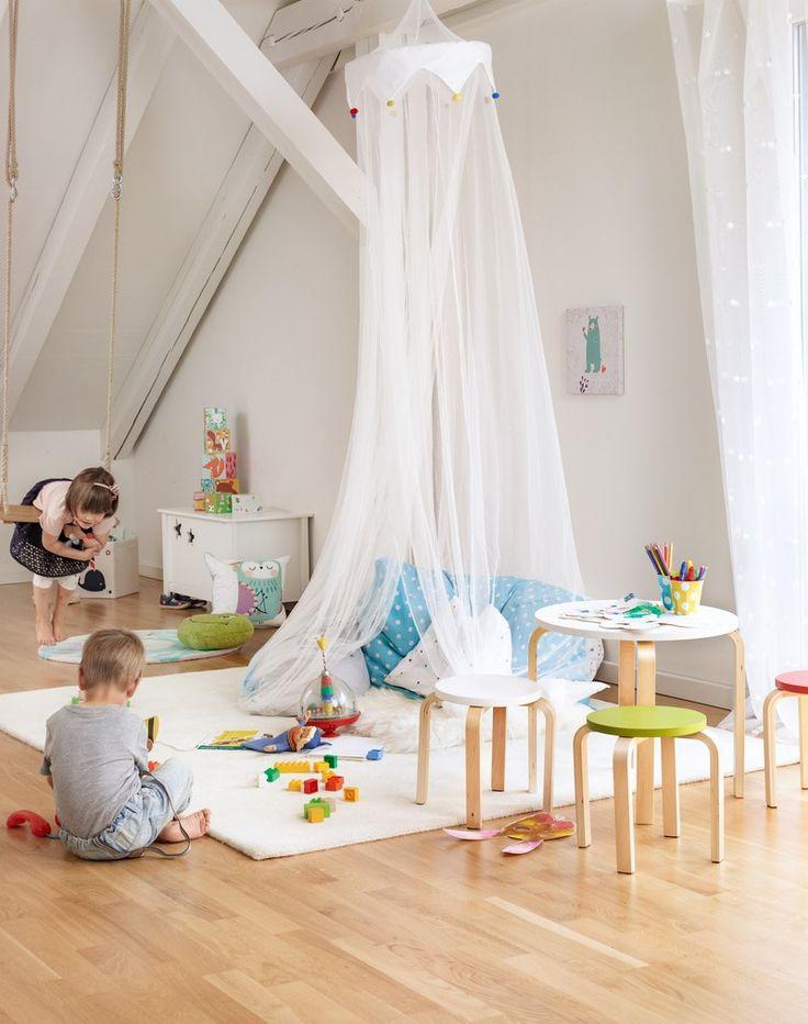 Micasa Kinderzimmer mit Tag-Fertigvorhang NELE & Kindertisch PIPO