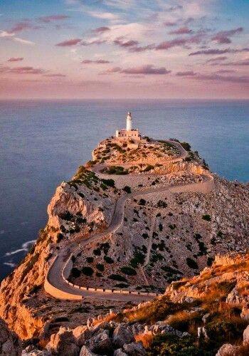 Farol do Cabo Formentor-Maiorca-Espanha ( retirado da net )
