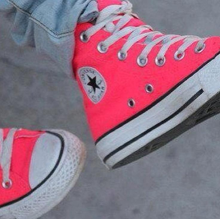 pink! converse! high top!! luuuuuv!!!