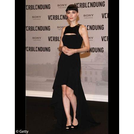 Rooney Mara en robe mulet Michael Kors