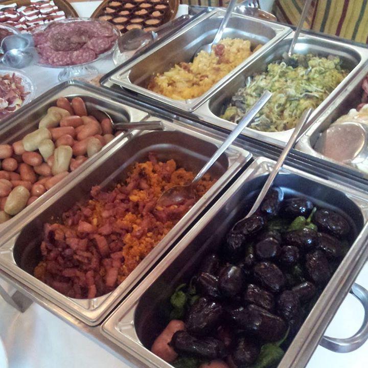"""Desayuno Buffet zona platos calientes. """"Café del Infante"""" Villaviciosa de Odón (Madrid)"""