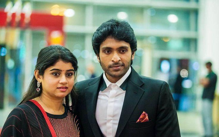 Vikram Prabhu With his Wife at SIIMA Awards 2013