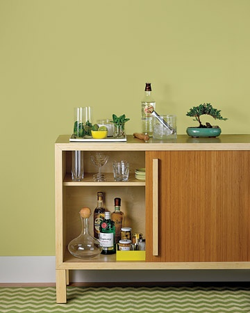 How to set up (and stock!) the ultimate home bar.