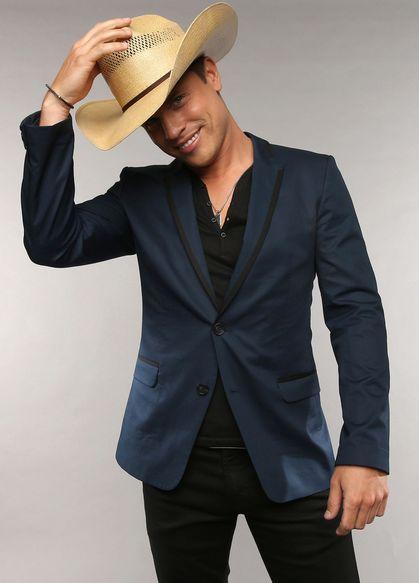 Dustin Lynch, CMT Awards '13::Amber Lehman Styling