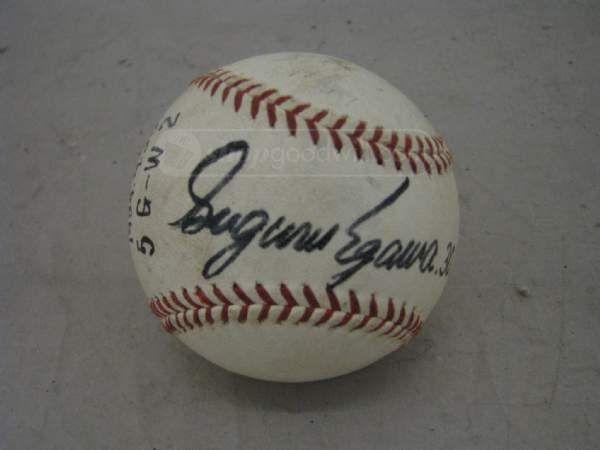 shopgoodwill.com: Yomiuri Giants NPB Suguru Egawa Signed Baseball