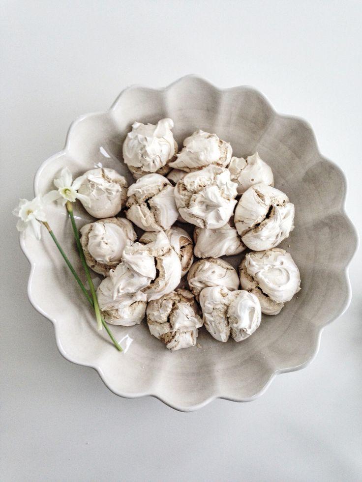 Licorice meringue  ♡