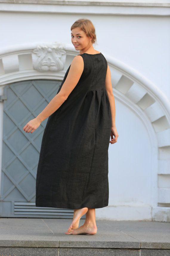 Deze gezellige jeugdige natuurlijke linnen jurk zal geven het kappen van vrijheid en originele stijl voor elke vrouw die het zal dragen. De jurk is bijzonder comfortabel, gemaakt van het natuurlijke Litouwse linnen.  Elke jurk is individueel gesneden en genaaid voor u alleen.  Wij hopen deze jurk een ander mooi detail in je dagelijkse leven van linnen. ;)  Details: -100% Litouwse linnen; -middelzwaar linnen; -de jurk heeft twee comfortabele zakken aan de zijkant; -handgemaakt door…
