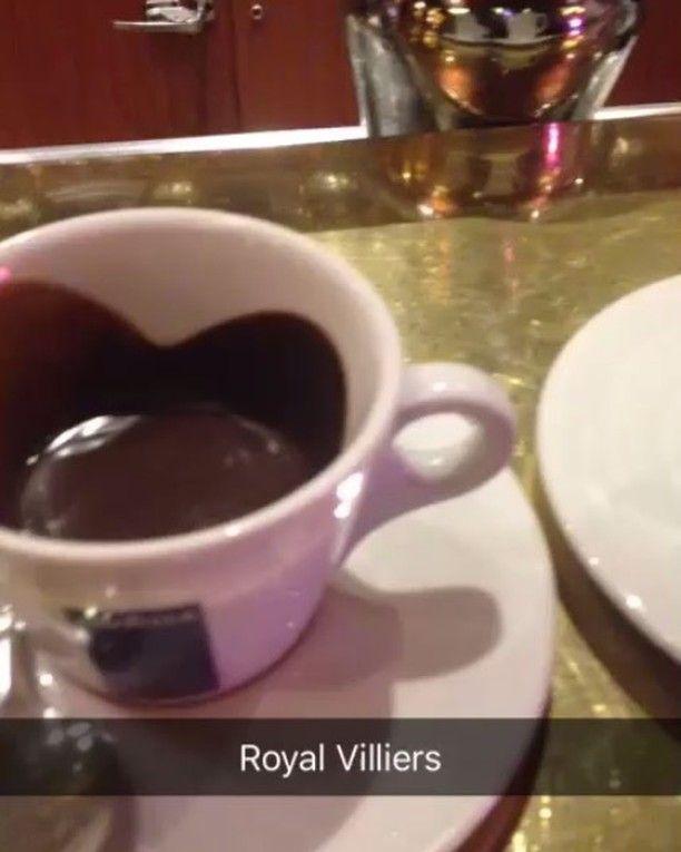 Royal Villiers  RESTAURANT FRANÇAIS 4 place de la porte de champerret 75017 Paris. #paris #restaurant #brasserie #avilon #avilonjoel #magnifyk #royalvilliers #royalsnappingartists #royals #royalvillier #royalvisit