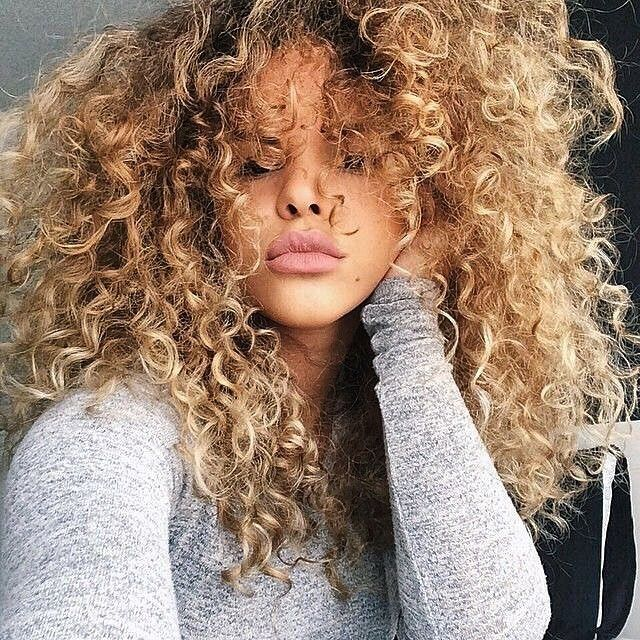 Her Blonde Curls Are Everything Hi Curly Beauties Tons Of Curly