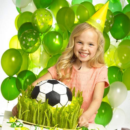 Soccer birthday cake DIY - kids will get a kick out of it!