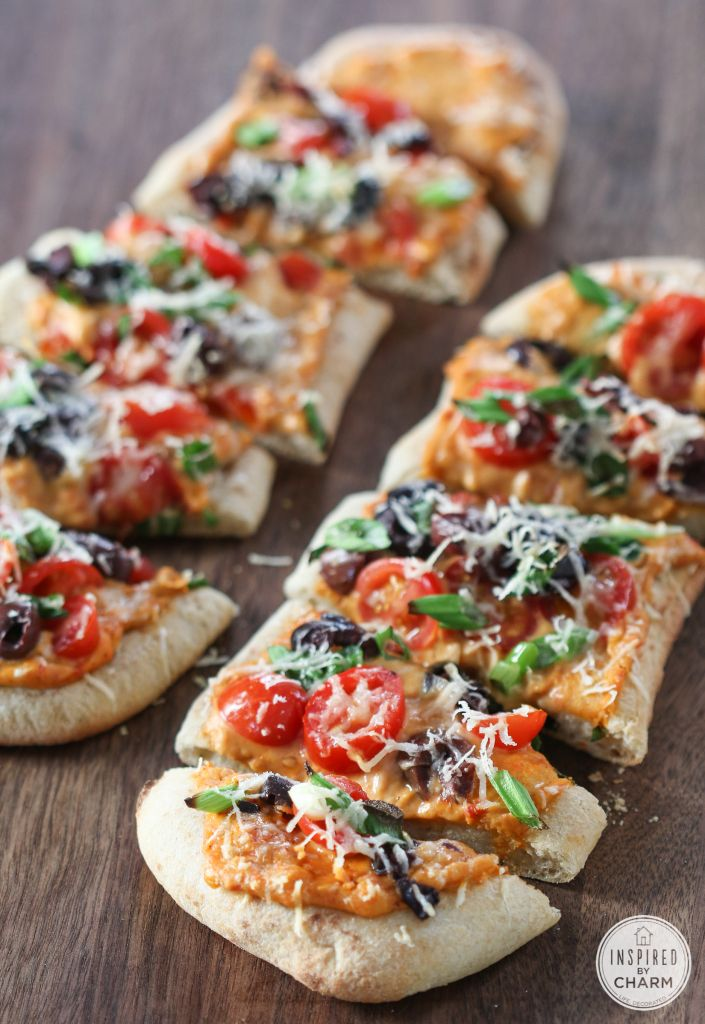Inspired By Charm Mediterranean Flatbread http://www.inspiredbycharm.com/2015/01/mediterranean-flatbread.html via bHome https://bhome.us