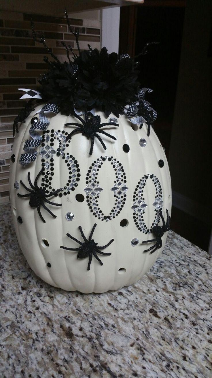 Black and White Pumpkin-Halloween 2017. Pretty Pumpkin.  no carve.