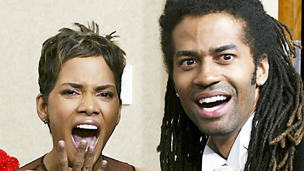 Halle Berry & Eric Benét & 10 Other Hollywood Exes Who Never Stopped Dissing Each Other https://tmbw.news/halle-berry-eric-benet-10-other-hollywood-exes-who-never-stopped-dissing-each-other  Celebrity exes: they just can't quit each other! Even when every word they say is public knowledge, some celebs can't fight the temptation to insult their exes. These 11 former couples have never stopped taking it out on each other.1. Halle Berry and Eric BenetHalle Berry and Eric Benét divorced in 2005…