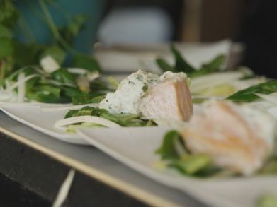 Zalm met korstje van Klaartjeskaas en witloofsalade (Libelle Lekker!)