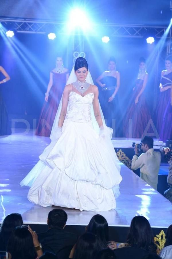 Sushmita Walked Ramp for  India International Bullion Summit (2013)