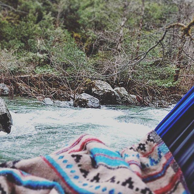 【greenslifeinusa】さんのInstagramをピンしています。 《Back to Oregon.  Still love being waterfront.  オレゴンに戻っても変わらずウォーターフロント。#mountains #hiking #picnic  #hammock #river #waterfront #oregon #lifeinusa #japanese #forest #山 #ハイキング#森 #川 #ピクニック#ハンモック#ウォーターフロント #海外生活#アメリカ#日本人#オレゴン》