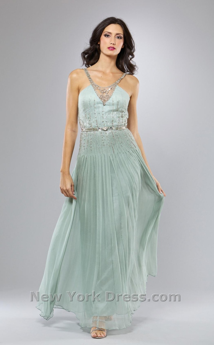 43 best Prom images on Pinterest | Ballroom dress, Evening gowns ...