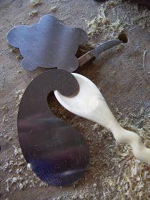 Esta es mi primera cuchara tallada en madera y nada menos que en una tan preciada como la de boj. A continuación os mostraré un ampli...