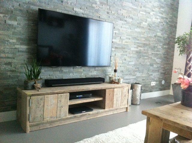 Tv meubel van steigerhout met 2 deurtjes en schapjes  | Tv meubels | JORG`S Houten Meubelen