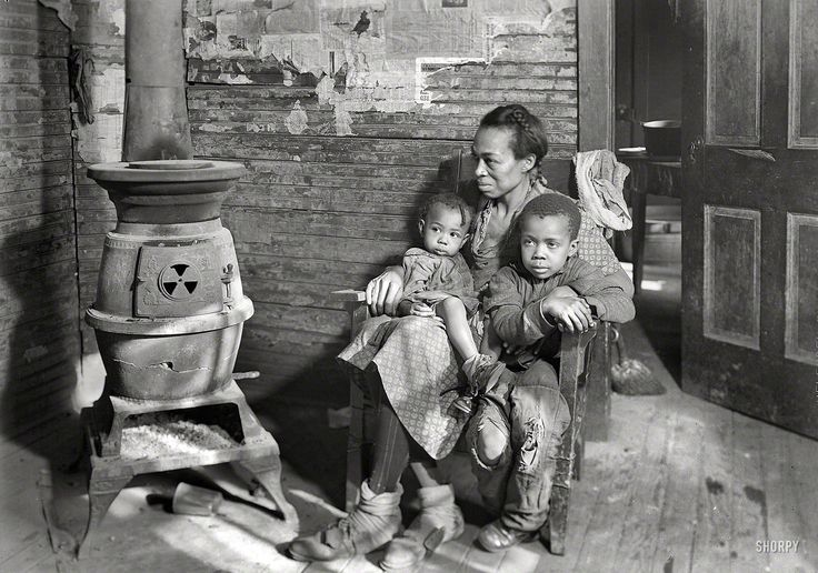 "Shorpy Historical Photo Archive :: Hard Times: 1937. ""Johnson family—father unemployed"", Scott's Run, West Virginia."