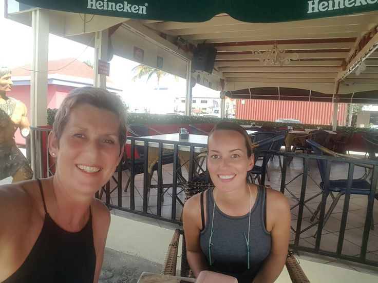 Having a drink in Oranjestad.