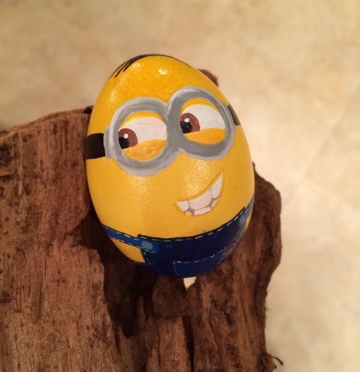 minion easter egg, handpainted DIY
