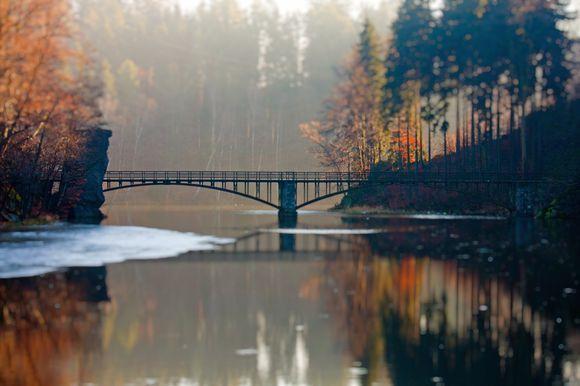 Bridge Lovers, Poland