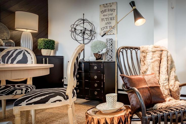 Black and White Rustic