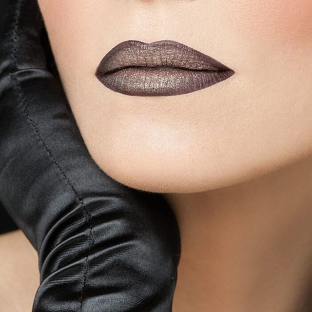 Dark lips is one of the biggest trends of the season. In Radiant Professional you will find the richest most sumptuous shades in dark lipsticks with a long lasting effect. #darklips #metallips #metallics #metals #liquidmetal #blacklips #blacklipstick #festive #makeup #festivemakeup #beauty #cosmetics
