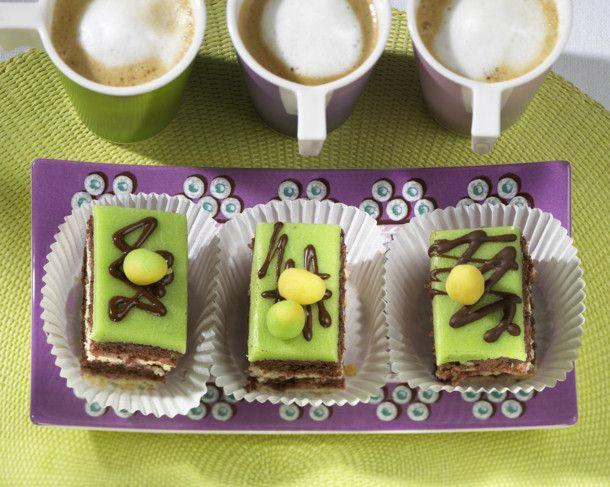 Unser beliebtes Rezept für Petit-Fours mit Marzipan und mehr als 55.000 weitere kostenlose Rezepte auf LECKER.de.