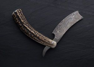 Handmade Damascus steel strait razor with Stag Horn handle