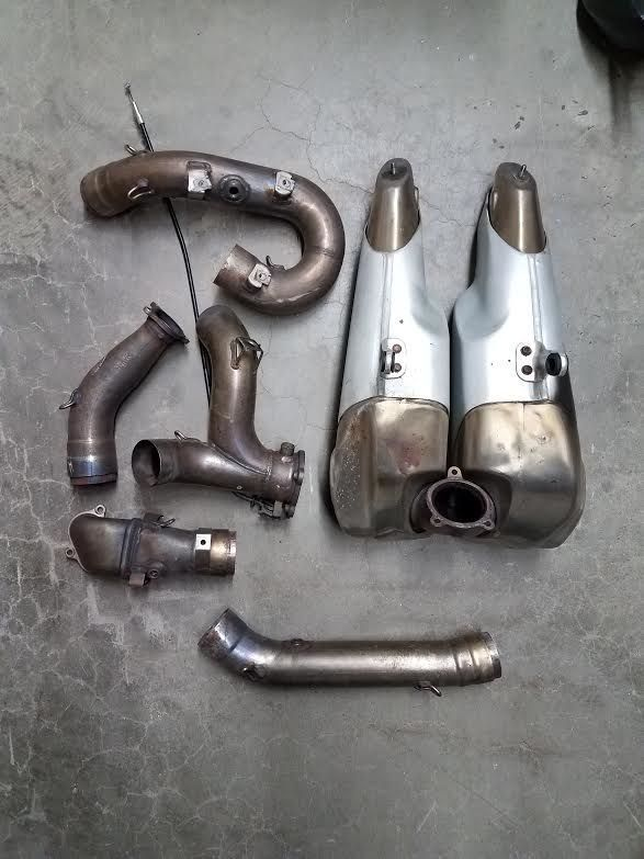 http://motorcyclespareparts.net/used-ducati-monster-1199-exhaust-components-pipes-silencer-good-condition/USED DUCATI MONSTER 1199 EXHAUST COMPONENTS PIPES SILENCER GOOD CONDITION