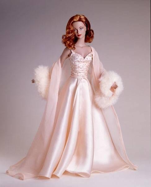 11e7d89542ed144a8dfb3d5c4d39f472--barbie-dress-barbie-girl.jpg (487×600)