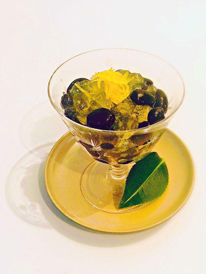 ゆずの香りを閉じ込めたジュレをかけて黒豆をおめかし。|『ELLE gourmet(エル・グルメ)』はおしゃれで簡単なレシピが満載!