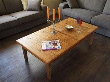 Une table de salon avec des façades de caisses de vin bois,Customisation,Cuisine,Mobilier,meuble,transformation,table,salon,estampes,façades,caisses,vin