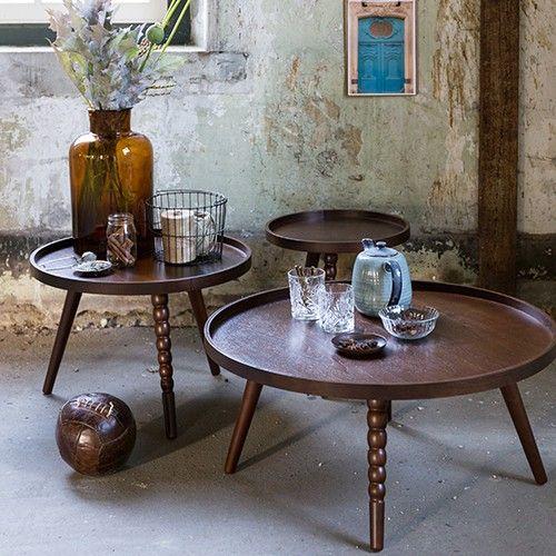 Materiaal: 9 mm MDF tafelblad met walnoot fineer Poten: rubber hout, walnoot kleur afgewerkt Maximale draaggewicht: 10 kg