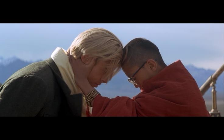 Seven Years in Tibet(1997) – Heinrich Harrer(Brad Pitt) & Dalai Lama(Jamyang Jamtsho Wangchuk) tar farväl efter sju år i Tibet