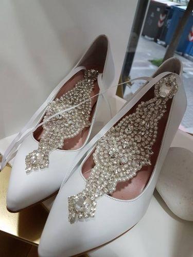 Χειροποίητες νυφικές γόβες με ανατομικό και αντιολισθιτικό πάτο  http://handmadecollectionqueens.com/Νυφικες-γοβες-με-ανατομικο-πατο  #handmade   #fashion   #bridal   #wedding   #pumps   #footwear   #storiesforqueens