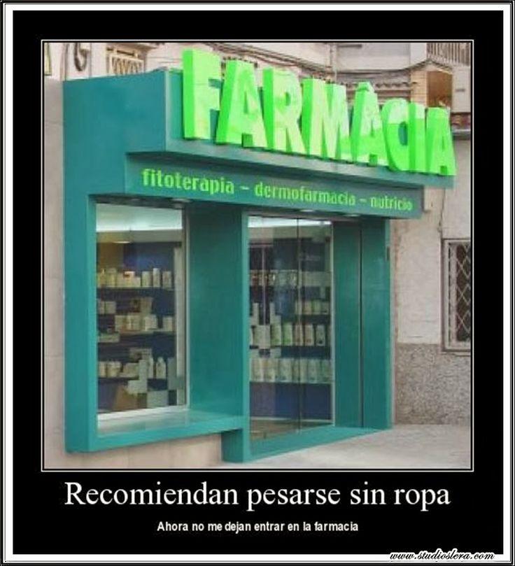 studioslera.com farmacia desnudo humor