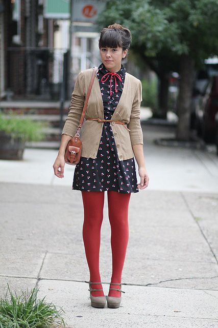 15 Fashion and Style Tips On How To Wear Colored Tights | Gurl.com