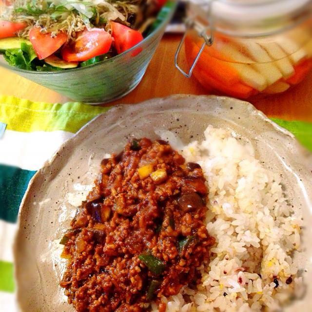 5.23 - 13件のもぐもぐ - 茄子キーマカレー、にんじんと大根のピクルス、大根サラダ by nanananna