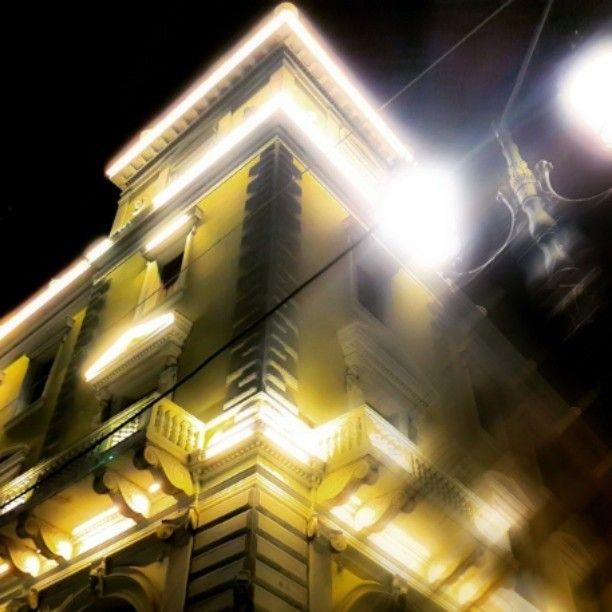 #Athens by night!by @frantzeskos.sar #athinology#summerwalks#greece#greecestagram#thegreeceguide#lights#nightwalks#architecture#hotels#greekliving#portalgreece