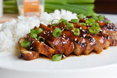 Ik heb weer een onwijs lekker indo recept voor jullie klaarstaan. Dit keer een gerecht met kip in een zoetzuur jasje! Geserveerd met pandan rijst. Niet een typisch Indonesisch gerecht dat jullie ke…