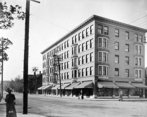 The Richmond Apartments - City of Vancouver Archives