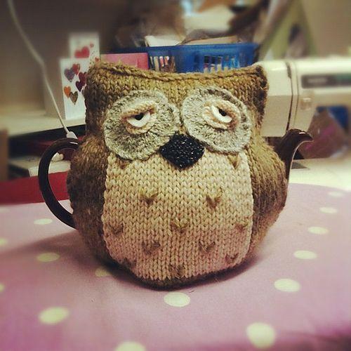 Ravelry: littleoldlady86s Morning Owl Tea Cosy Knit tea ...