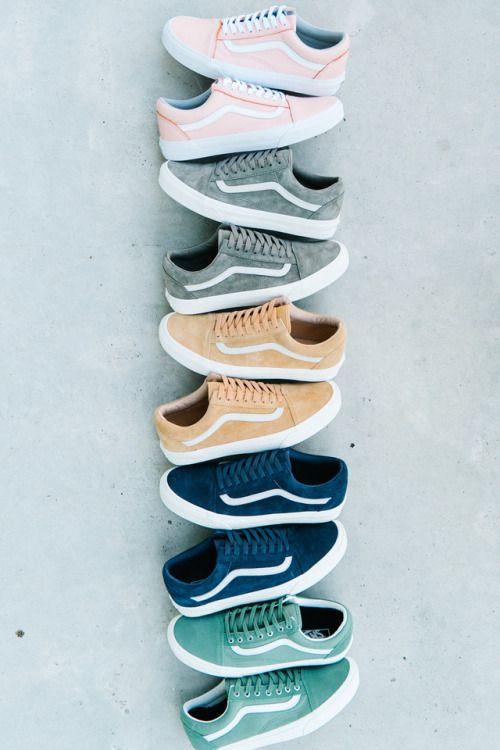 Vans Old School on blog.sneakerando.com Sneakers Sneakernews StreetStyle Kicks ad …   – wardrobe choices.