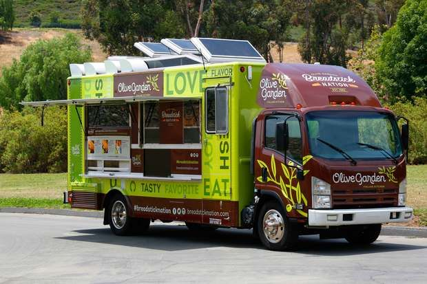 Olive Garden Food Truck Giving Out Free Breadsticks, Sandwich Samples - Downtown - DNAinfo.com Chicago