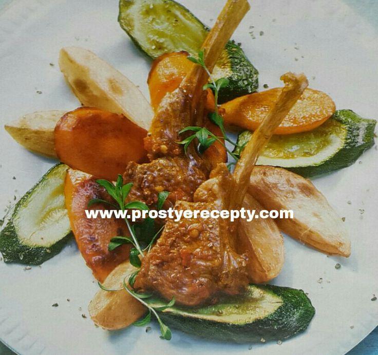 КОТЛЕТЫ НА КОСТОЧКЕ ПО - МАВРИТАНСКИ.  на 4 порции :  8 отбивных из баранины ( по 100г ),  300 г молодого картофеля,  соль и перец по вкусу,  200 г моркови,  1 цуккини,  4ст.л оливкового масла,  1 ч.л перечной пасты самбаль,  1ст.л соевого соуса.  НА САЙТЕ ЕЩЕ БОЛЬШЕ РЕЦЕПТОВ. #рецептыблюд #кулинария #вторыеблюда #горячиеблюда #рецепты #простыерецепты #вкуснаяеда #еда #готовитьпросто #готовимдома #вкусныерецепты #рецептывторыхблюд #блюдаизбаранины #готовимвкусно #домашняякухня